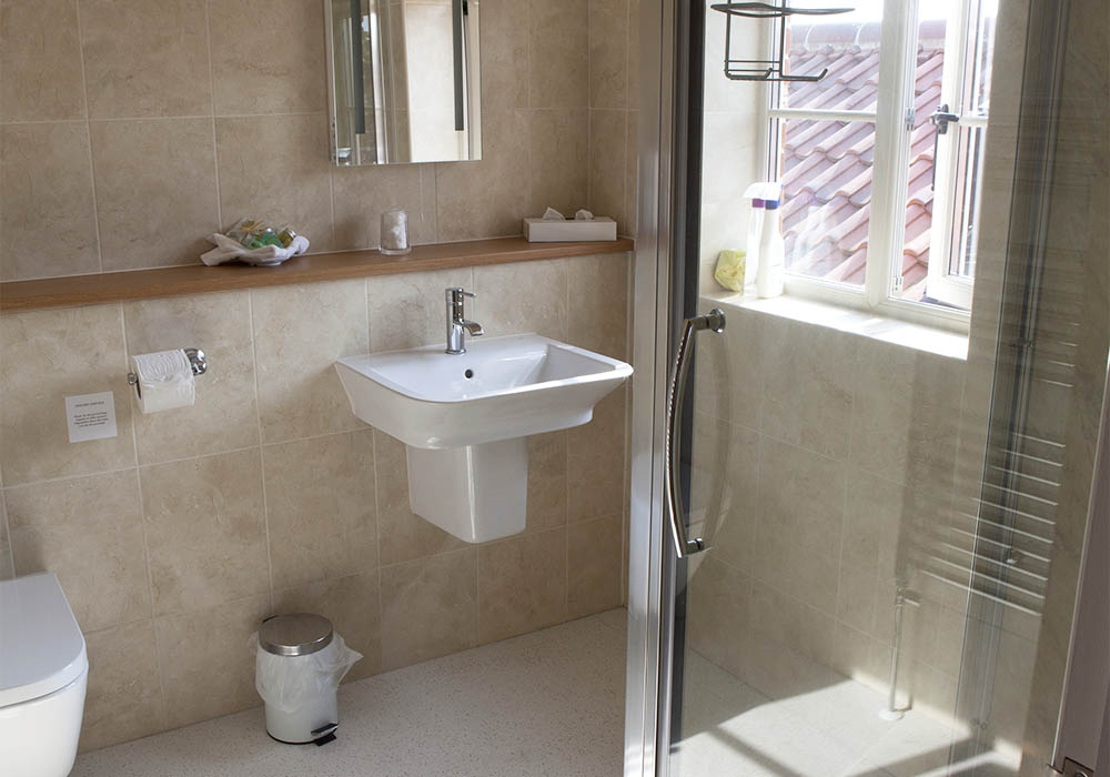 Blacksmith's Cottage ensuite showe